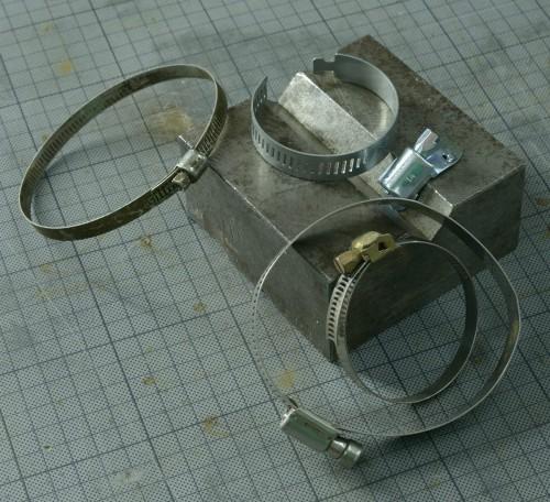 Les colliers Serreflex, là, c'est pareil, on n'a jamais le bon diamètre.