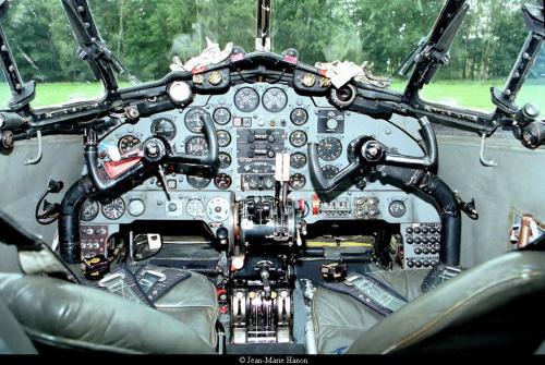 DH104 Cockpit