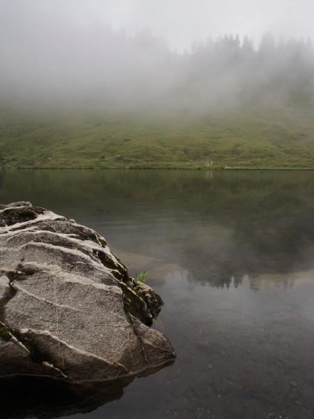 Le lac de Joux Plane, au somment du col du même nom.