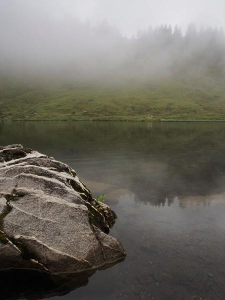 Le lac au sommet du col de Joux Plane (j'étais content d'avoir amené le polaire et un pic–nic).