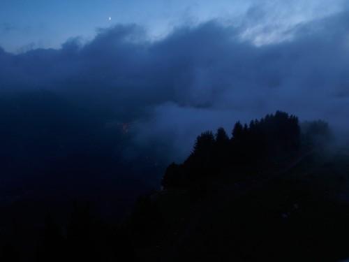 Morzine depuis Avoriaz (après une bonne douche bien chaude, à 1800 mètres, il faisait un tout petit dix degrés, et le magnifique coupe vent  que vous connaissez déjà n'étais pas de trop pour la fin de la montée non plus ;o)