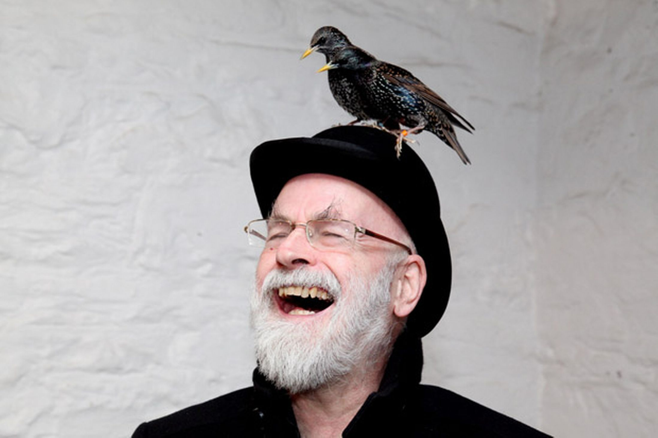 terry pratchett A terry pratchett / discworld web site  be dead and then you'll all be sorry --  (terry pratchett, 28 nov 1992, on altfanpratchett) to the main l-space web site.