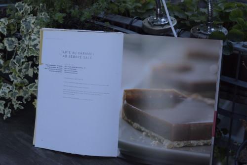 La redoutable tarte au caramel au beurre salé, en tartelette, il y a beaucoup moins de caramel, on peut en manger plus ;o).