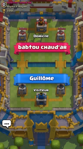 11_clash_royale_fight